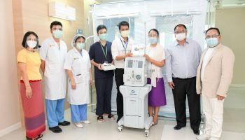 กลุ่มบริษัท ยิบอินซอย บริจาคอุปกรณ์ทางการแพทย์  ให้ 3 โรงพยาบาล ช่วยเหลือผู้ป่วยหนักจากโควิด-19