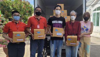 ใจดีต่อเนื่อง!! เก้า จิรายุ X ไปรษณีย์ไทยแพ็คกล่องน้ำใจ ส่งพี่น้องชาวไทยที่ได้รับผลกระทบ COVID-19