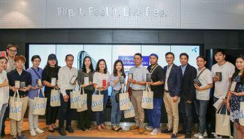 ดีแทคส่งมอบ iPhone 11 Pro และ iPhone 11 Pro Max ซึ่งเป็น iPhone ตระกูลใหม่ในระดับโปร พร้อมกับ iPhone 11 ให้ลูกค้ากลุ่มแรกในไทย