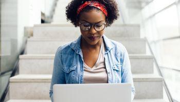 อะโดบีรองรับการศึกษาทางไกลทั่วโลกสำหรับสถานศึกษาที่ใช้เครื่องมือ Creative Cloud  และได้รับผลกระทบจากโควิด-19