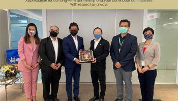 ผู้บริหาร TCC Technology Group ร่วมแสดงความยินดีกับพันเอกเรืองทรัพย์ โฆวินทะ  ในโอกาสก้าวสู่บทบาทที่ปรึกษา UIH