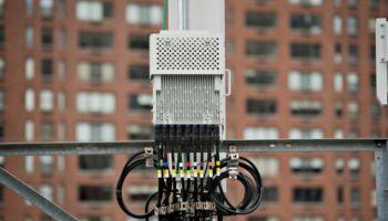 นักวิจัย EFF พัฒนาอุปกรณ์การตรวจจับการสอดแนมโทรศัพท์มือถือ 4G LTE เช็คสถานีปลอมผ่านเครื่อง Crocodile Hunter