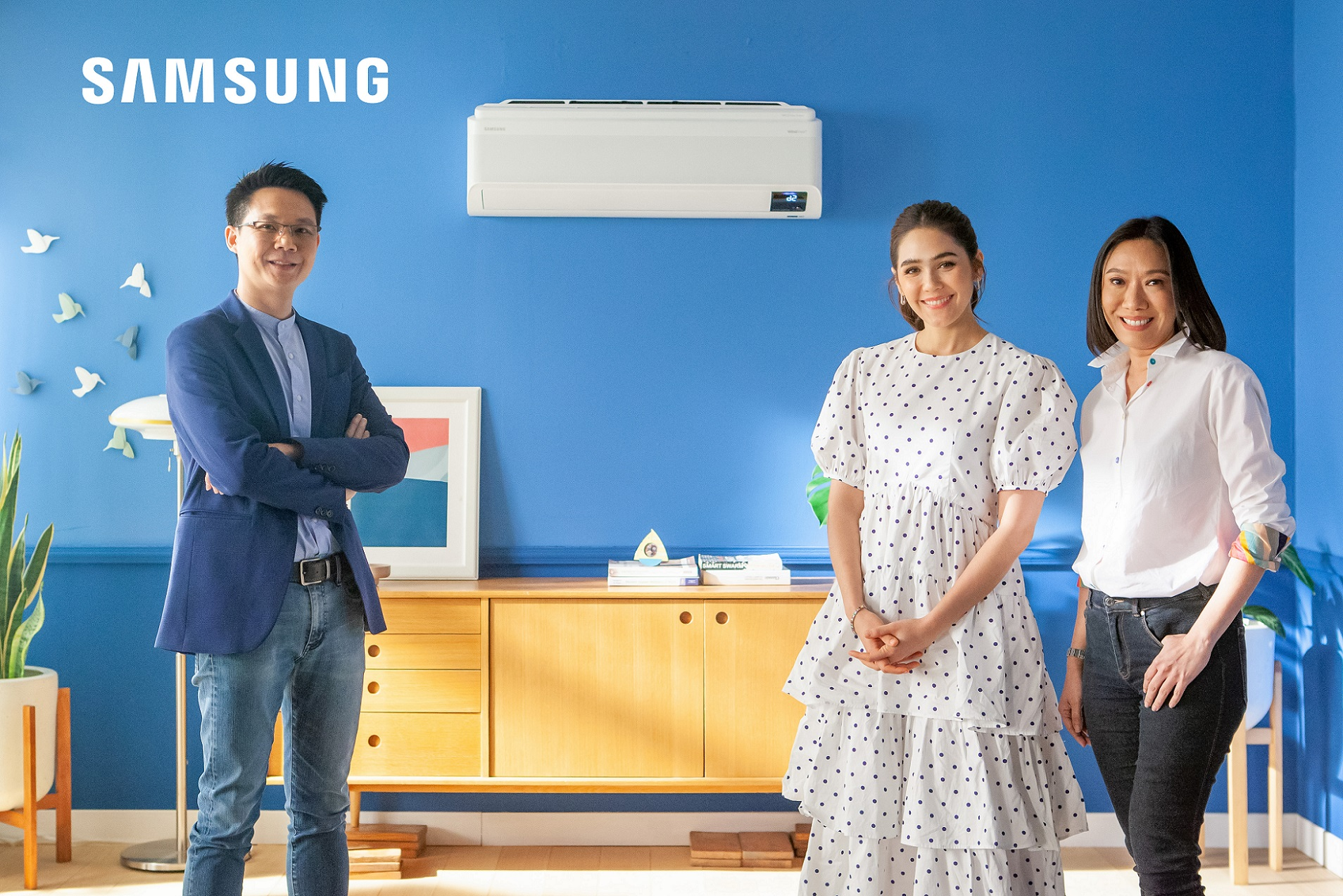 """ซัมซุงรุกตลาดแอร์เพื่อสุขภาพ ชูเทคโนโลยี WindFree™ cooling  ดึง """"ชมพู่ อารยา"""" เป็นพรีเซนเตอร์ เจาะตลาดครอบครัวยุคใหม่"""