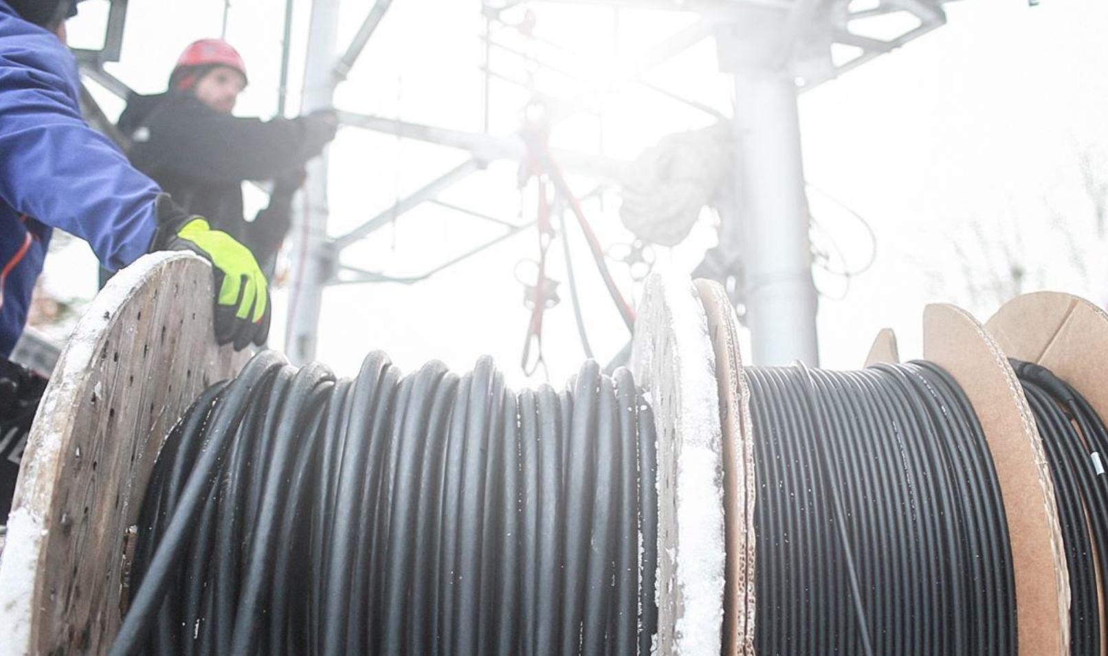 เทคนิคใหม่ อังกฤษทดสอบ Core Fiber Cables ดีกว่าแบบเดิม 50% ต่อยอด 5G เพิ่มแบนด์วิดท์ที่สูงขึ้น